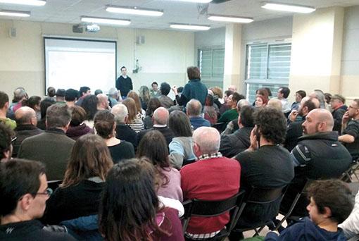 L'assemblea es va celebrar a l'escola Martinet // AP